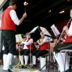 Angellocher Unterdorffest – Trachtenkapelle Eschelbach spielte auf