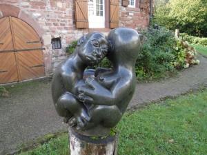 Shona-Skulptur im Garten der Bettendorffschen Galerie