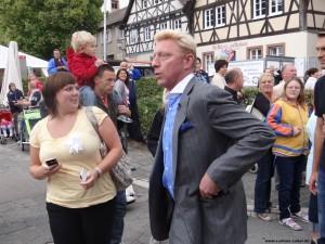 """Becker: Hastig durch die Menge. Der """"Fluch"""" der Popularität?"""