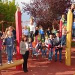Schlossbergschule weihte neuen Spielplatz ein und dankte Förderverein und Sponsoren