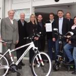 Mountainbike und E-Roller als Hauptgewinne der Weihnachtsmarkt-Tombola