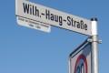 Straßenschildzusatz: Wilhelm Haug -</br>Direktor des Zementwerkes, Ehrenbürger Leimens
