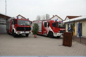 Das LF 16/12 und das neue HLF20 geschmückt