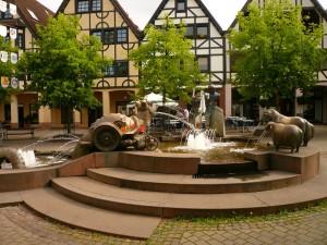 2385 - Georgi Platz Brunnen