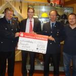 Sparkasse unterstützt Brandschutz-Aufklärung der Feuerwehr Nußloch
