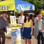 3762 - Wahlkampf auf dem Wochenmarkt 2
