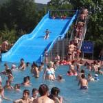 Pfingst-Hitze: Schwimmbäder überfüllt – ansonsten herrschte Ganztags-Siesta