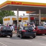 Leimen: Unfall an Shell-Tankstelle mit 4 Fahrzeugen – Behinderungen dauern an