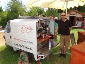 9899 - Ape Werbetraeger Cafe 1