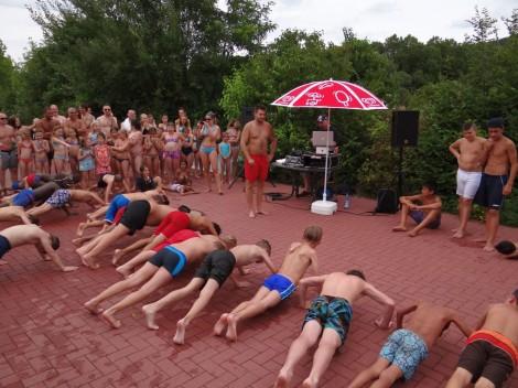 """Am Donnerstag: """"PLATSCH"""" – Hits for Kids mit DJ Henninger im Leimener Freibad"""