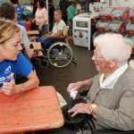 Erlebnistag mit Senior/innen – Zoobesuch mit außerordentlichen Kontakten