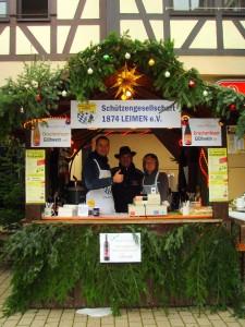 4566 - Schützenverein auf Weihnachtsmarkt