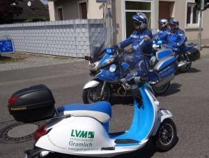 4637 - Snailer mit Polizeimotorrädern