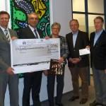 Lions Club Weihnachtskalender: </br>Hauptgewinn von 2.014 € übergeben