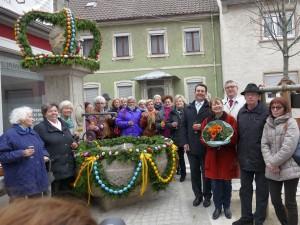 4940 - Baerentorbrunnen Osterschmuck - 9