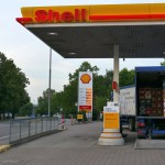 Leimen: Männliche Person entzündet sich an Tankstelle