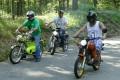 """""""Schuppenflitzer"""" Moped-Nostalgie: Sound und Duft der 70ger mit Kreidler & Quickly"""