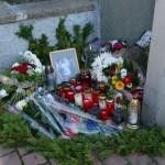 Tödlicher Unfall in Leimen – Trauernde legen Blumen und Kerzen am Unfallort nieder