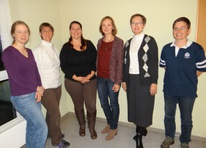 Der neue/alte Vorstand. V.l.n.r.: Antje Stein, Susan Want, Sibylle Knebel, Kirsten Stiemerling, Karin Afrath-Weißer, Katrin Zürn. Auf dem Foto fehlt Kerstin Nowarra.