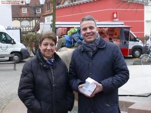 6704 - Hans Reinwald auf Wochenmarkt Leimen
