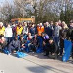 """Gemeinsame Müllsammelaktion von Agenda und Flüchtlingshilfe: """"Let's clean up!"""""""