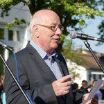 Sandhäuser Gemeinderat und Kerwepfarrer Frieder Flory feiert seinen 70. Geburtstag