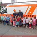 Leimener Rettungswagen beim Mauritiuskindergarten