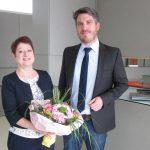 Eternit spendet der Leimener Otto-Graf-Realschule 10 neue Notebooks