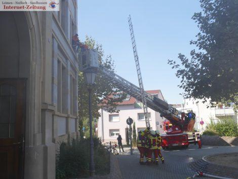 Übungslage: Brand in  Sandhäuser Schule –</br>Ergebnis: Alle Kinder unverletzt gerettet
