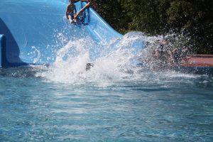 7907-freibad-schwimmbad-rutsche