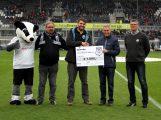 """SV Sandhausen Fanclub """"Goalgetter"""" spendet für die Sandhäuser Kids"""