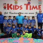 F1-Junioren des VfB Leimen:  Besuch beim Trikotsponsor Kids Time