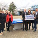 Großzügige Spenden: Otto-Graf-Realschule erhält Außen-Tischtennisplatte