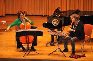 Katharina Uzal, Cello, und Ute Schleich, Blockflöte