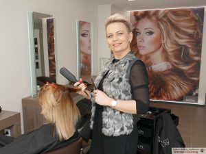 Friseurmeisterin Tatjana Wolodin