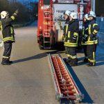 Wer Leitern steigt, muss Knoten können – Klettermaxe bei der Feuerwehr