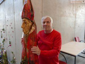 Urbanus-Skulptur mit Bildhauer Bernhard Apfel