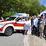 Schautag bei DLRG und Rotem Kreuz:  Neues Zugfahrzeug für Trimpin in Dienst gestellt