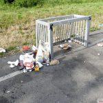 Echt asoziales Verhalten: Grillen, feiern und den Müll auf Spielplatz zurücklassen
