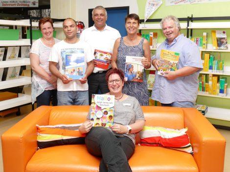Spenden für Bibliothek Sandhausen: Angebote für Deutsch als Fremdsprache erweitert