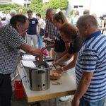 Weißwurstessen zum Patrozinium – </br>Treffpunkt Kirchplatz in Sandhausen