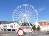 Leimen bereitet sich auf Weinkerwe vor: Riesenrad überblickt gesamte Altstadt