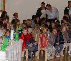 """Herbstfest im Kath. Kindergarten St. Georg – """"Laßt und danken, singen, fröhlich sein""""."""