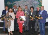 Lions Club stellte den neuen Adventskalender im Sandhäuser Rathaus vor
