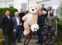 Leimen aktiv Chef Gramlich ließ sich einen dicken Bären aufbinden