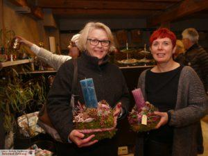 Blumentwerkstatt-Chefin Christiane Risch-Kübler (r.) in ihrem Element
