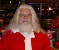 Der einzige wirklich ganz echte Nikolaus kam zu Besuch ins Fody's Restaurant