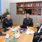 Politik und Polizei: Themen Einbrüche, Flüchtlinge und Angriffe auf Polizeibeamte