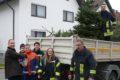 Freiwillige Feuerwehren sammelten Weihnachtsbäume und Spenden