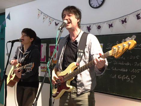 """Pop-Duo """"Bär & Bärta"""" geben musikalisches Stelldichein an der Realschule Leimen"""